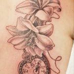Lilien Tattoo von Marielle