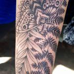 Elli Tattoo Farn mit Motte gestochen von Marielle-Art